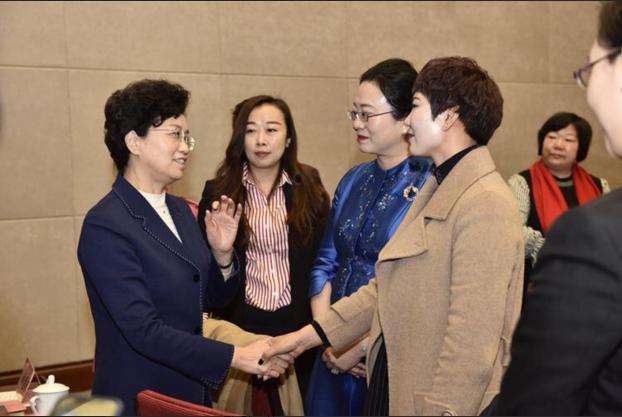 兰考郭霞:事迹感动全国妇联领导宋秀岩